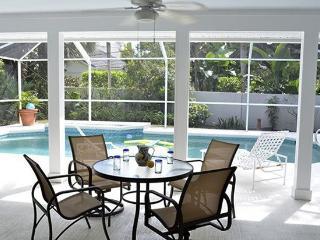 Gorgeous Vero Beach Pool Home Steps to Beach