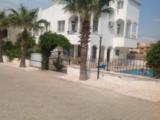 VillaAnnis three bedrooms and 8 x4m pool, Belek