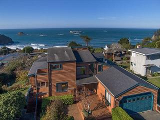 Fisherman's Escape~Sweeping Ocean Views From Every Room of This Beach Home!
