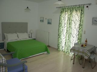 HOLIDAY APARTMENT IN AGIA PELAGIA, Ligaria