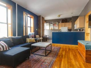 Lovely E Vill 2BR: Large & Sunny, New York City