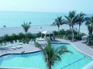 Beautiful oceanfront condo in Hollywood Beach, FL