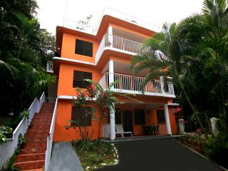Casa Bianca Sandy Beach for Small or Large Groups, Aguada