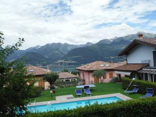 Exclusive Villa Aurora with pool for 6 people, Colico