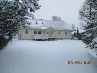 Large quiet Villa, Sauna Garden terraces 8-14 person 4 bedrooms WIFI lake (1 km)