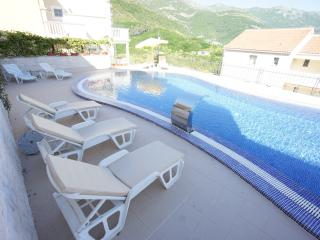 beautiful apartment in Montenegro near to beach
