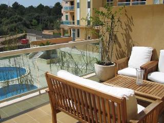 Mediterrani. Magnifico apartamento,piscina, terraza 24m2, garaje, a 400m playa