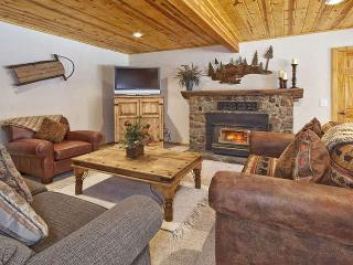 CedarCrest -  West Shore Cabin - Remodeled w/ Hot Tub - Walk to Private Beach