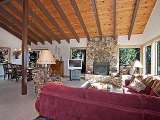 Lake Haven -  Spacious 4 BR w/ Lake Views & Sauna - Sleeps 9