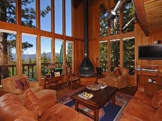 View at Dollar Point - Traditional 4 BR Home with Gorgeous Lake View!, Tahoe City