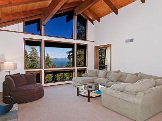 KingsWay - 3700 sq ft Lake View w/ Hot Tub & Pool Table! Now ONLY $400/nt, Tahoe Vista