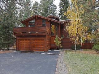 ***Roundridge at Dollar 4 BR w/ Two Master BR & Hot Tub - Only $400/night***, Tahoe City