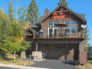 Coyote Run Beautiful Truckee 3 BR Home - 10 minutes to Northstar