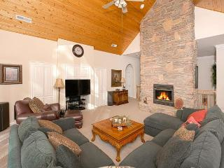 Bow Woods - Gorgeous 4 BR in Tahoe City - 2 Spacious Master Suites!