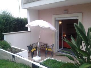 Una casa in giardino vicino al mare, Lecce