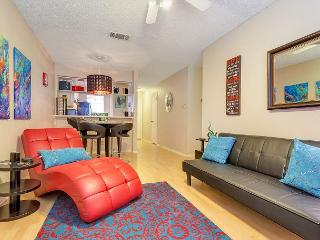2BR/2BA Captivating South Congress Condo, Sleeps 5, Austin