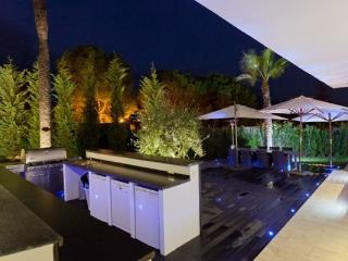 UNIQUE, EXCLUSIVE VILLA IN THE GOLF VALLEY, Puerto Banus