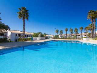 3 Bedroom Villa Sleeps 8 with Swimming Pool, Albufeira