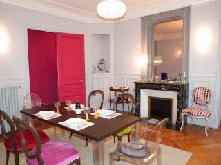 Exquisite apartment by the Canal Saint-Martin