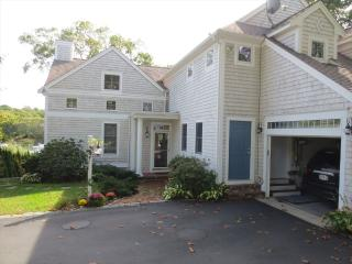 DEEPWATER DOCK, 4 BEDROOMS, CENTRAL AIR!!! 124704, Falmouth