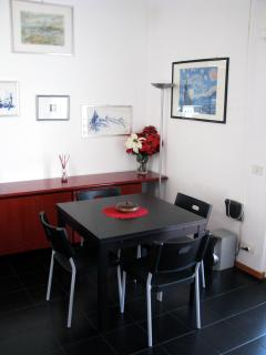 Dining table in the Lounge