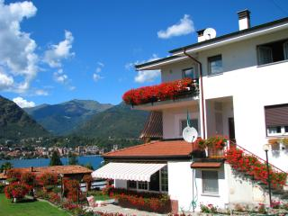 Villa Fortis Apartment - balcony with stunning views on Lake Orta