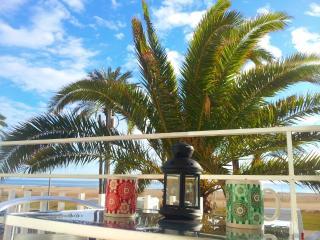 Beachfront Apt.3 balcony & view & Barcelona, Castelldefels