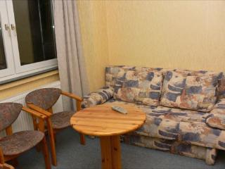 Vacation Apartment in Bochum - 667 sqft, central, affordable, quiet (# 1719)