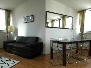 Vacation Apartment in Leipzig - 797 sqft, central area, high-quality furniture
