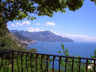 Amalfi 51 with terrace overlooking the sea