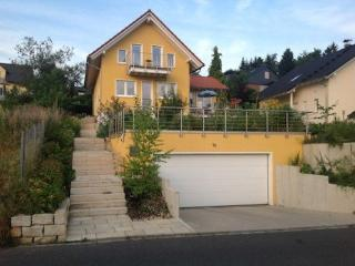 Vacation Apartment in Kelkheim - 344 sqft, modern, quiet, cozy (# 5044), Eppenhain