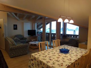 Vacation Apartment in Garmisch-Partenkirchen - 775 sqft, furnished stylishly