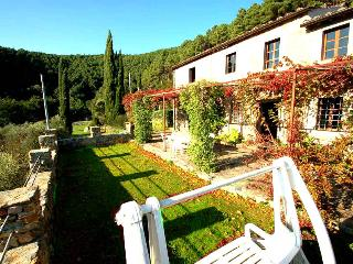 Secluded house with private pool near Pisa-Lucca. Panoramic views!!!, Buti