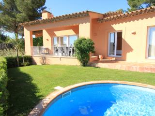 Beautiful, modern detached villa with private pool, Bégur
