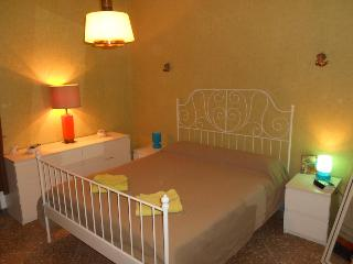 Double bedroom near the Vatican City, Roma