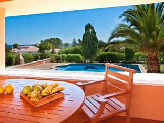 Villa cerca del mar.Disfruta en ella de la vida., Sant Lluís