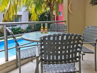Cozy 2 bdr condo! - 3 blocks to the beach!!!, Playa del Carmen