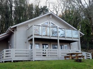 Peaceful Lodge, Woodland Location, Parking