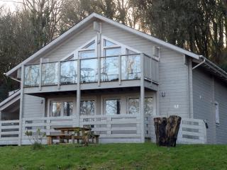 Peaceful Lodge, Woodland Location, Parking, Penally