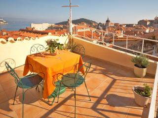 Luxury Villa inside the city walls with Wi-Fi, Dubrovnik