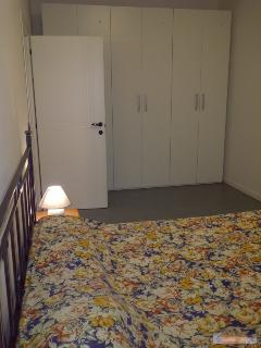 Camera da letto con armadio con 6 ante