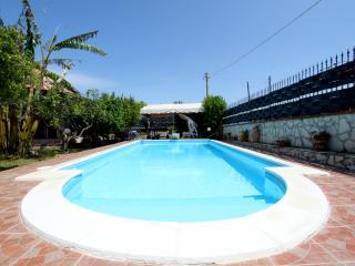 dependance con piscina, Balestrate