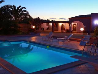 Villa con piscina a Tiggiano da affittilarosa.it