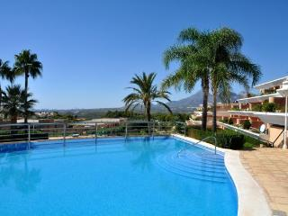 Apartment building with two pools and lifeguard., Altea