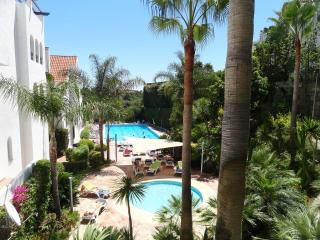 Nueva Andalucia 2 bed apt close to Puerto Banus