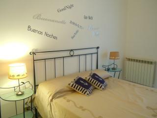 Appartamento La Rosa Blu- bilocale centro, vicino al Casinò, 600 mt dal mare, Sanremo