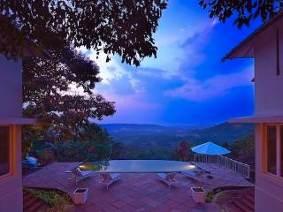 Stunning 16 room Goa Hilltop Villas with Gr8 Views, Arpora
