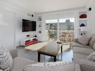 SOBE Ultra Modern Ocean View, ON THE BEACH 2 Bed, Miami Beach