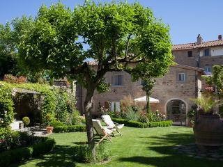 Mary Rose, duecento splendida villa di collina circondato da un giardino di fiore unico., Cortona