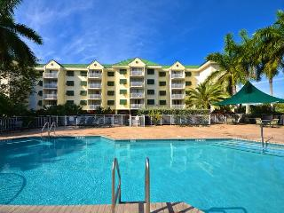 Catalina Suite #311 - 2/2 Condo w/ Pool & Hot Tub - Near Smathers Beach, Key West